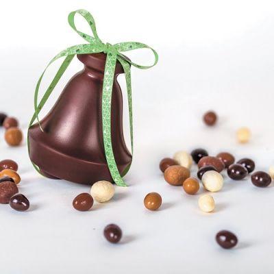 Moulage cloche de pâques en chocolat